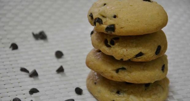 עוגיות שוקולד צ'יפס מושלמות ליד הקפה