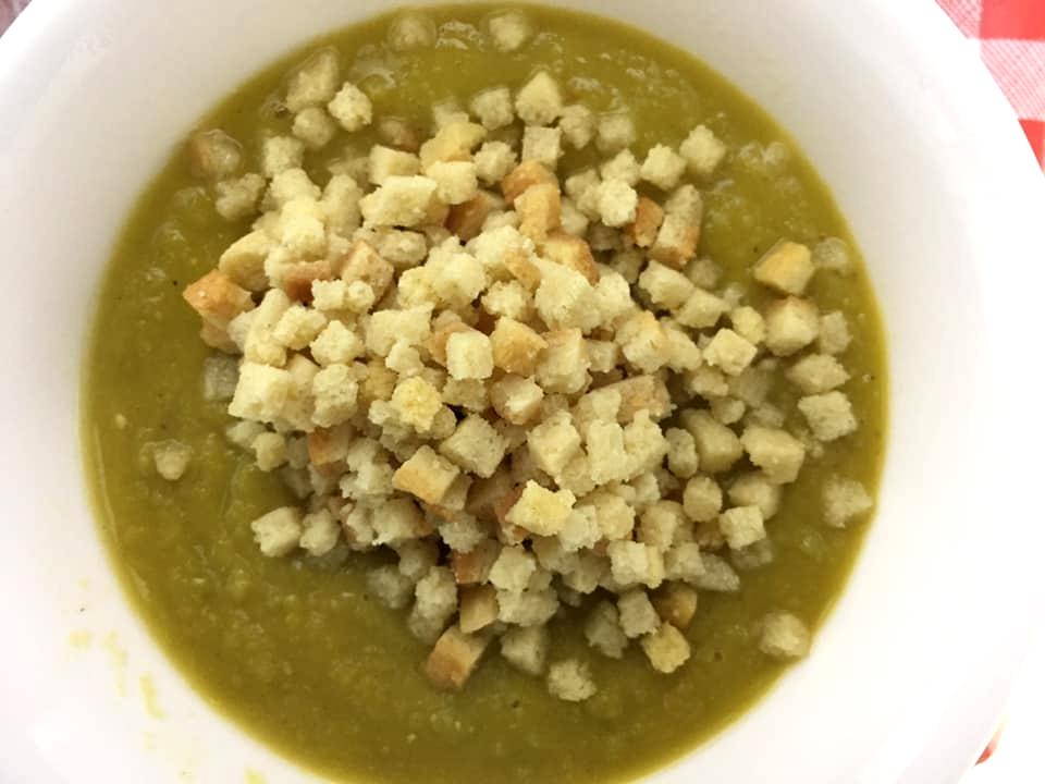 מרק אפונה יבשה כל כך קל להכנה וטעים בטירוף