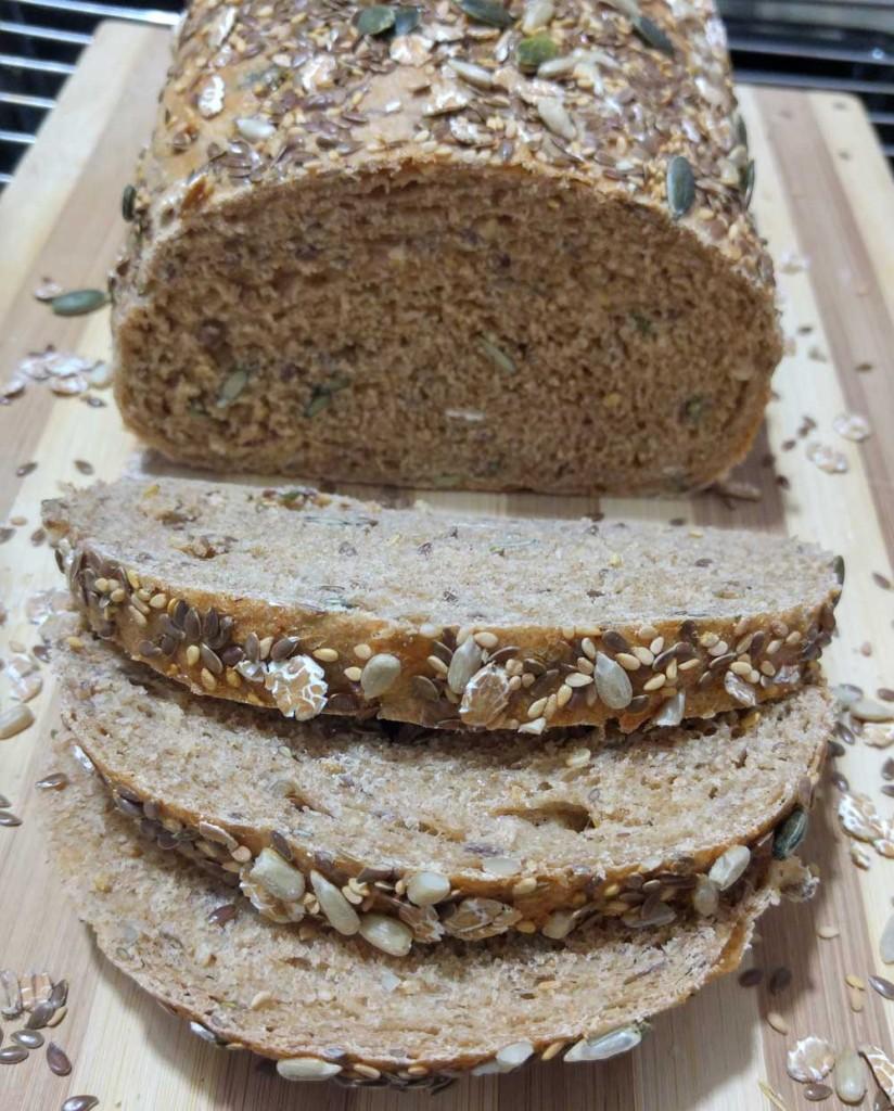 """לחם דגנים כפרי בסגנון לחם """"נלסון"""""""