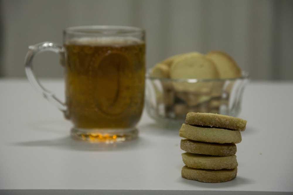 עוגיות הלימון שלי מושלמות עם תה בצד