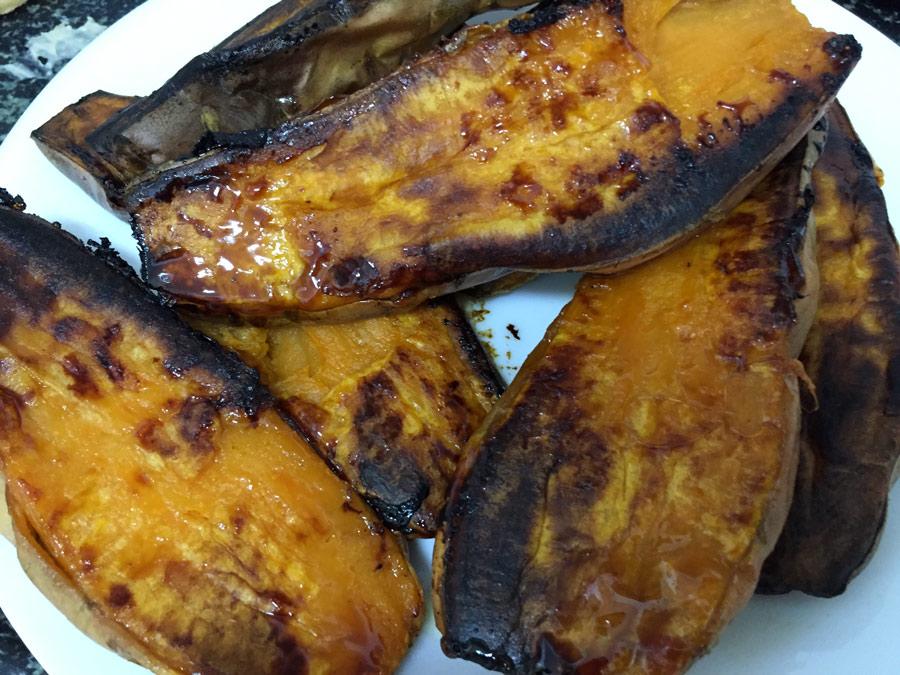 בטטה מקורמלת צלויה בתנור - מתוקה מתוקה וכל כך טעימה!
