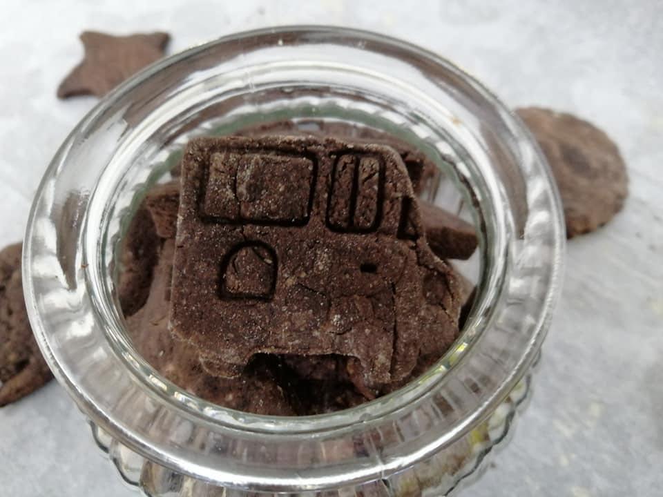 עוגיות פרווה מקקאו פשוטות וטעימות לילדים ללא צורך במיקסר!
